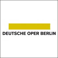 Dielen schleifen und reparieren in der Deutschen Oper Berlin